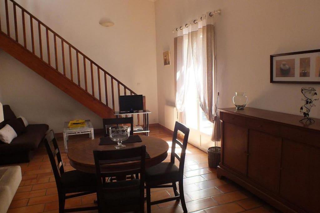 Villa 4 personnes proche aix en pce case in affitto a for Escort girl salon de pce