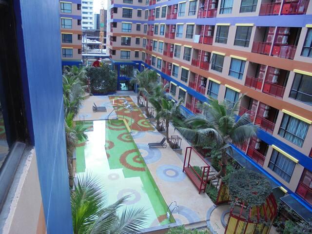 1 bedroom condo with all facilities in Bangkok