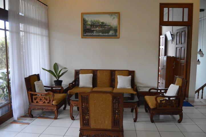 Comfy Rooms (5 Rooms)