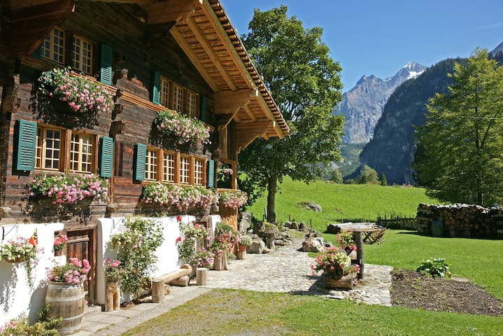 The Hayloft, Award winner. 3 beds - Kandersteg - ที่พักพร้อมอาหารเช้า