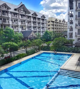 Beautiful & Colorful Two Bedroom At The Redwoods - Quezon City - Daire