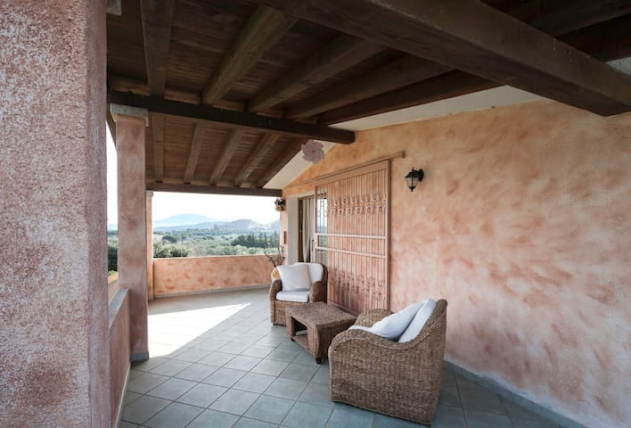 """Dimora Pedres """"between the hills an - Olbia - House"""
