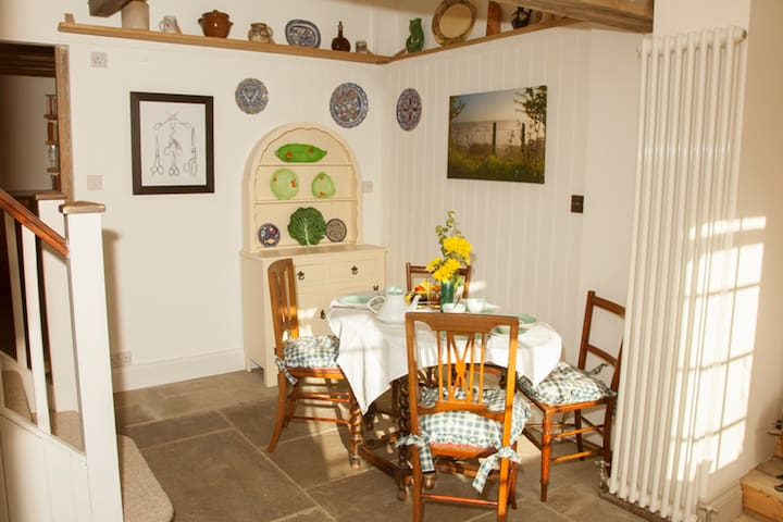 Bed and breakfast in a cozy period cottage