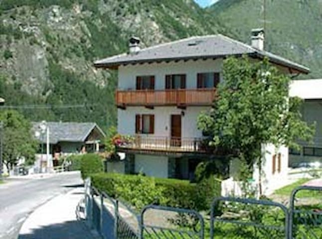 Apartment in Matterhorn Valley - Antey-Saint-Andrè - Flat