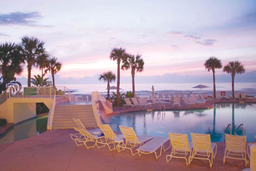 1 Br W Balcony Sleeps 4 Ocean Walk Serviced Apartments For Rent In Daytona Beach Florida