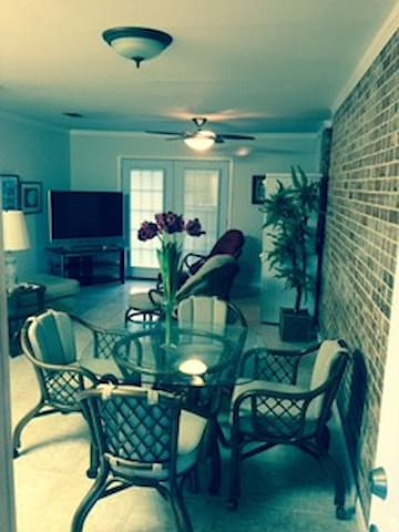 Palmetto Corporate Apartment!! - Gulf Breeze