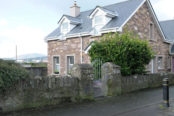 2bed cottage  Dingle town - Dingle - Hus