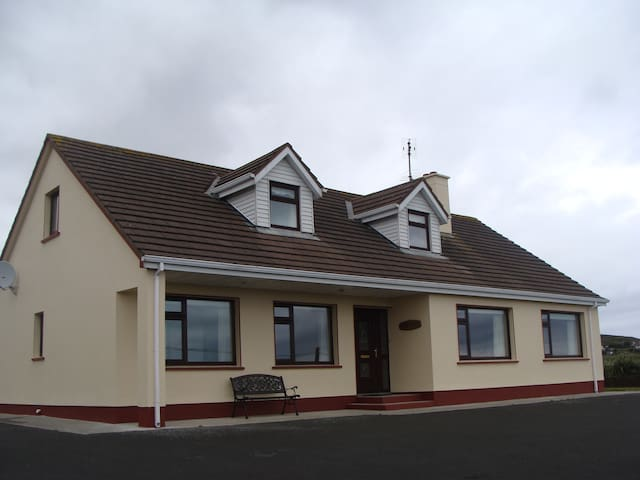 The Cove- Self Catering Cottage in Donegal - County Donegal - House