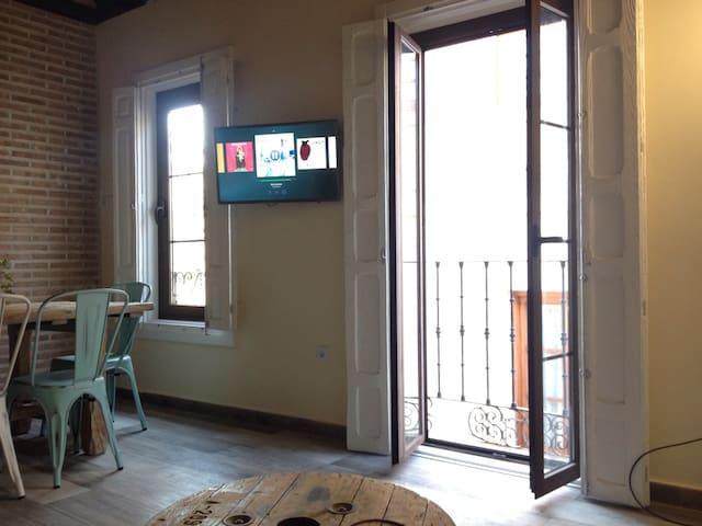 Balcón en Salón/ Smart TV