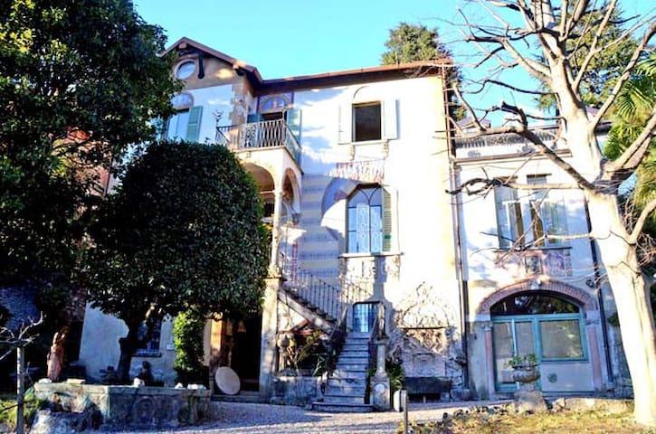 Cernobbio 8 sleeps villa - cernobbio - Huis