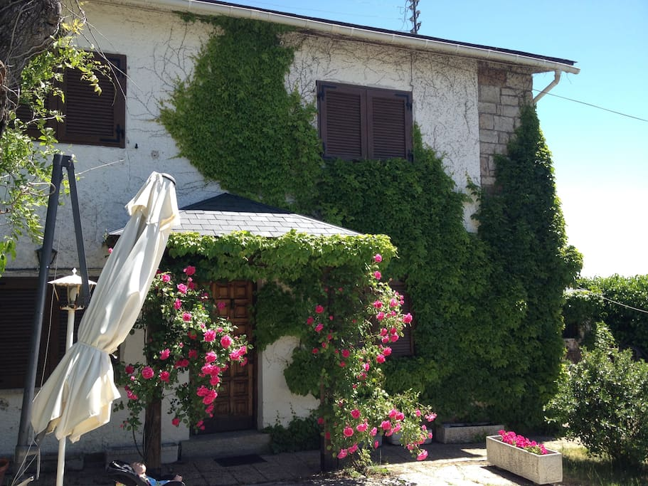 Charming mountain cottage with private pool - Houses for ...