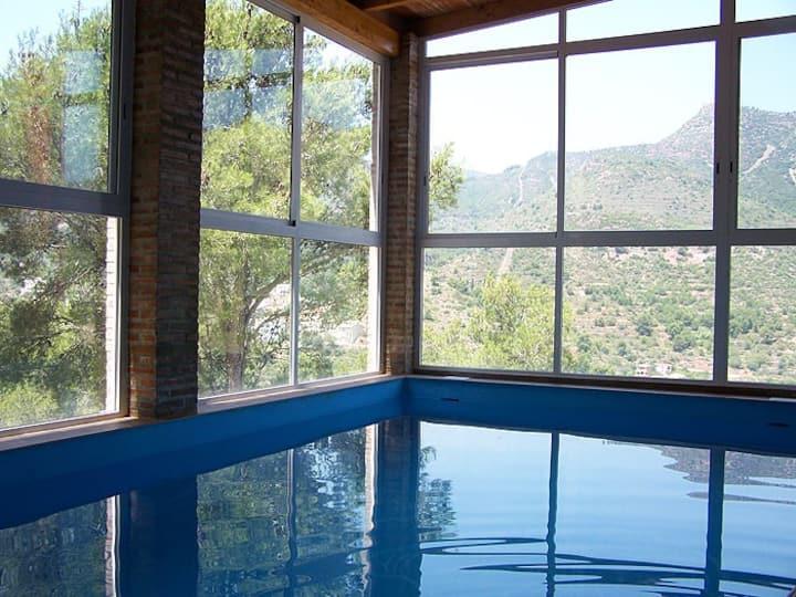 Casa en Valencia, con piscina climatizada