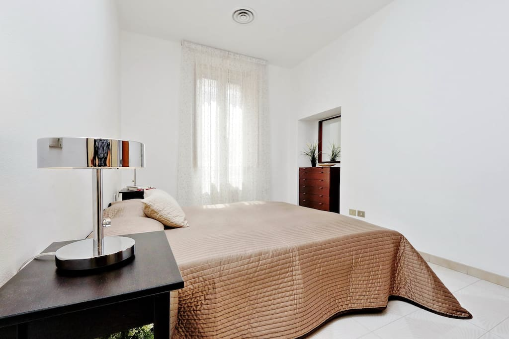 1° bedroom with bouble bed