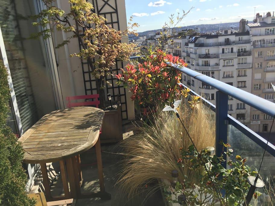 possibilité de manger sur le balcon terrasse