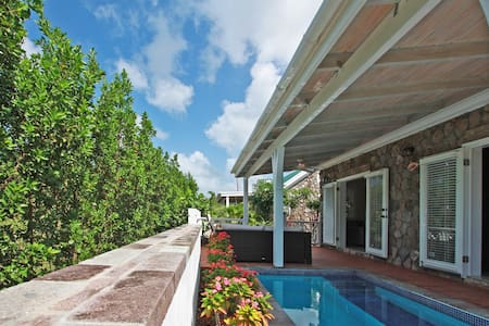 Modern Cottage 7 With Plunge Pool - Charlestown