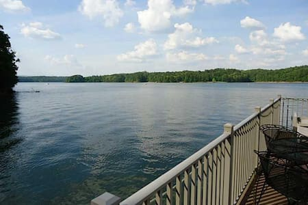 Lake Allatoona Rental Home and Dock - Wookstock - บ้าน