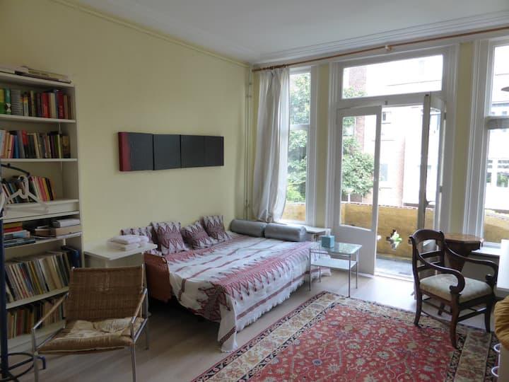 Spacious room close to city centre