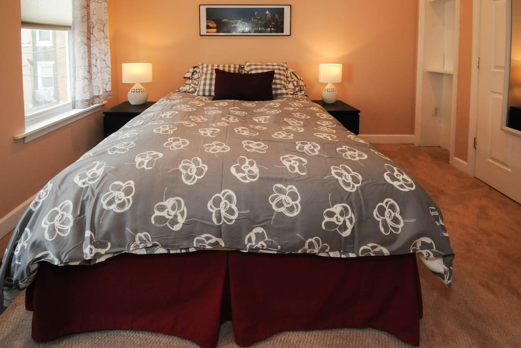 Master Bedroom with a comfy Queen size bed