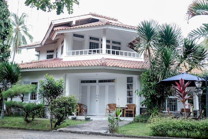 3BR Villa Putih - Anyer