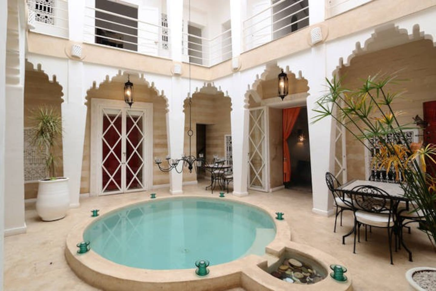 Riad Thalge in Medina - White Room