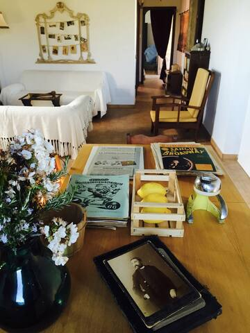 Open-style kitchen table