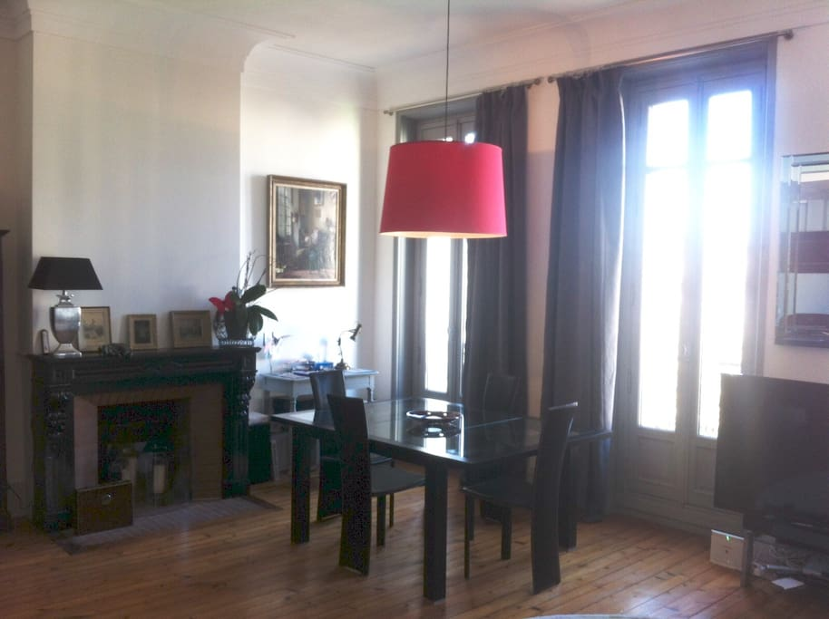 appartement napol on iii lumineux appartements louer rochefort aquitaine limousin poitou. Black Bedroom Furniture Sets. Home Design Ideas