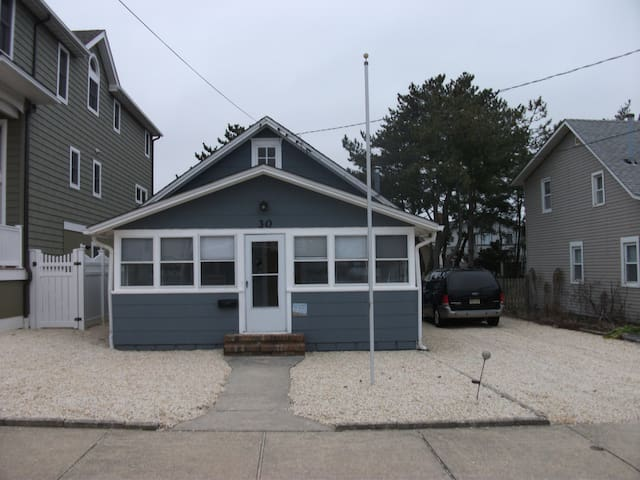 4 houses/less than 200 ft to beach - Surf City - House