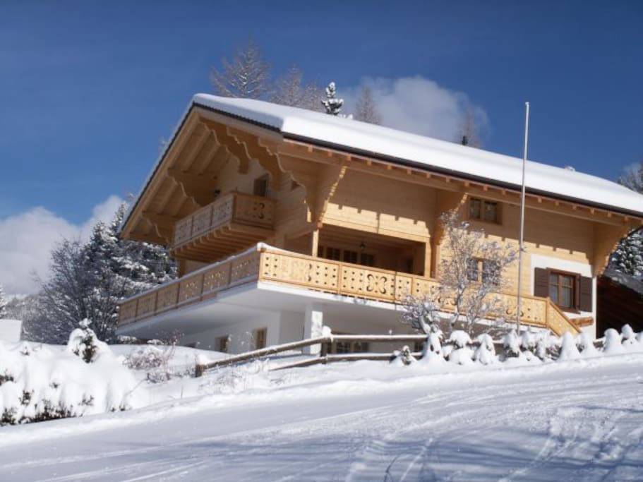 Ski in Ski out luxury Chalet. Directly on the piste.