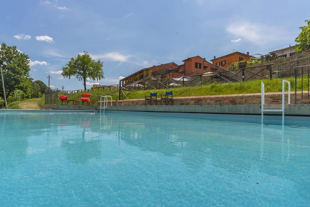 Casa vacanze Le Fornaci - panoramic view from the pool