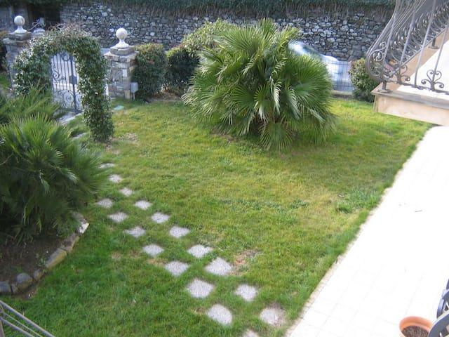 Villa Collarea - App.to Otello - Isolabona