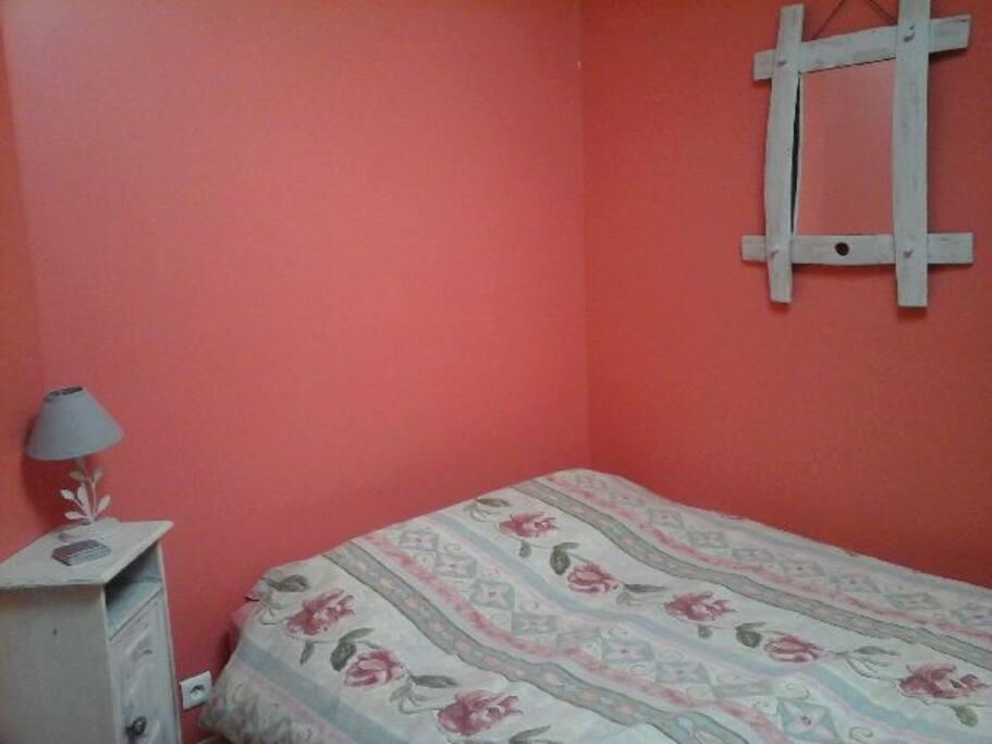 une autre chambre lit double