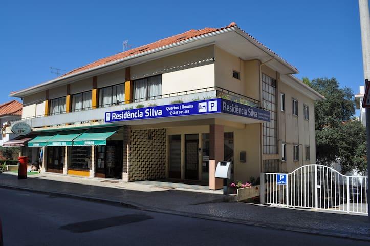 Residencia Silva, near Santuary - Fátima - Bed & Breakfast