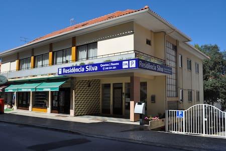 Residencia Silva, near Santuary - Fátima - 家庭式旅館