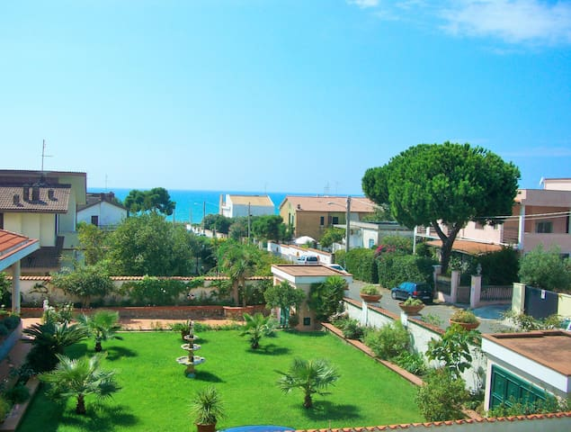 B&B MARECHIARO - ANZIO-ROME (house) - Anzio - Bed & Breakfast