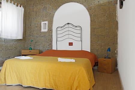 Bilocale SANTELMO centro storico - Naples