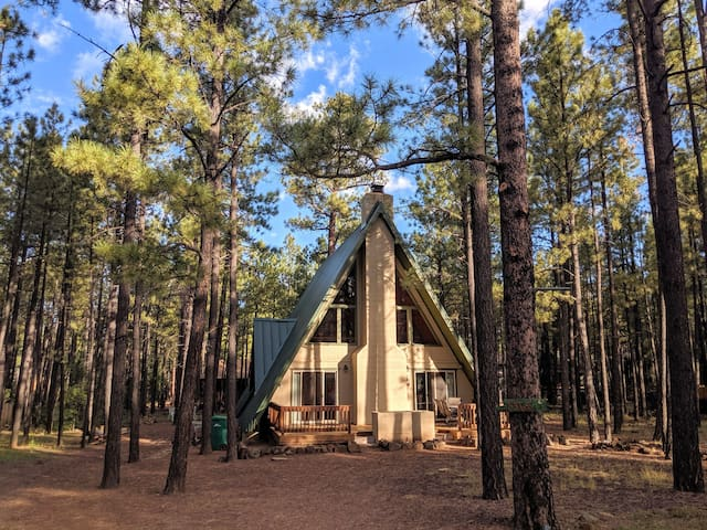 Pinetop Haven Haus /New Kitchen /AFrame Cabin/3 BR