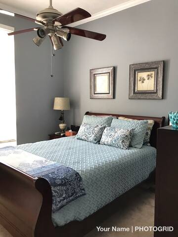 Home Away From Home - Super  Location(Addison)