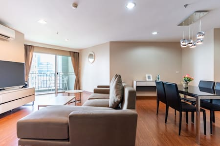 3BR LUXURY CONDO / CONVENIENT  IN CENTRALBANGKOK