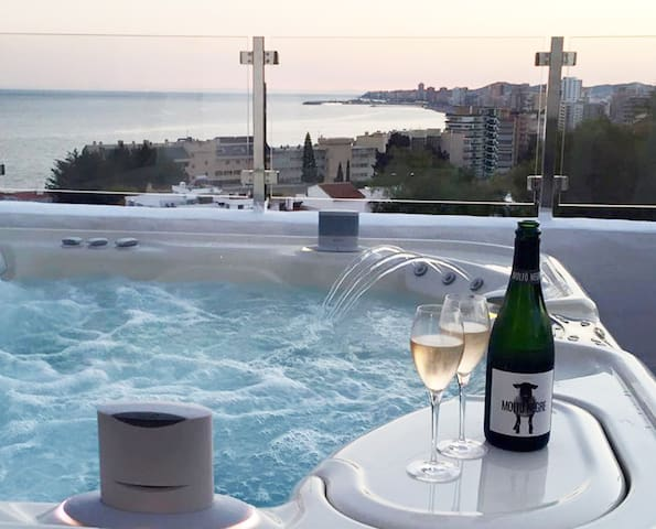 Absolute luxury with a view! No. 19