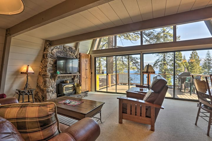 4 Season Lake Tahoe Escape w/Deck, Views & Hot Tub