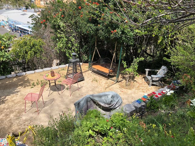 Lower Garden with Swing, Fire Pit and Smoker BBQ