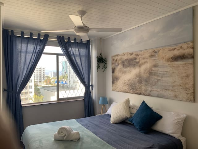 All bedrooms have ceiling fans and openable large sliding windows with great cross ventilation to capture afternoon sea breezes