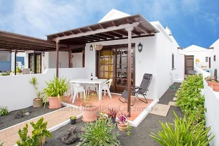 Casa Mariluz directly to the sea - Playa Honda