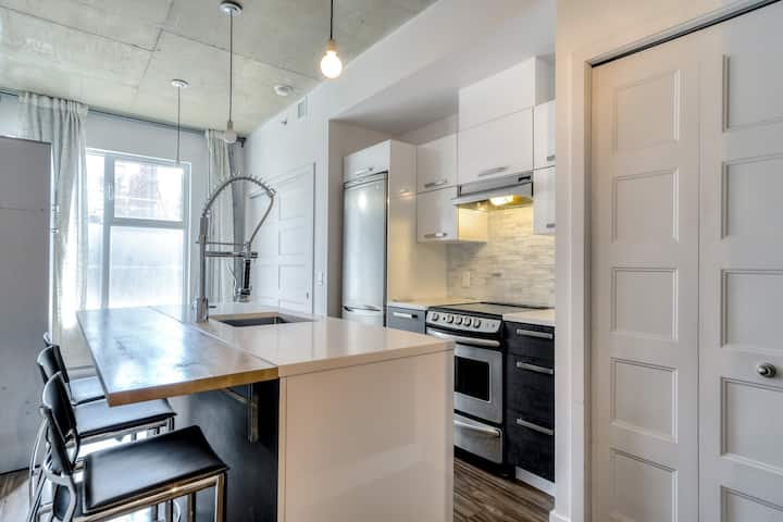 Beautiful Griffintown Loft