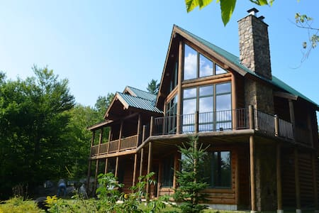 Log cabin with views of Sunday River - Newry - Zomerhuis/Cottage