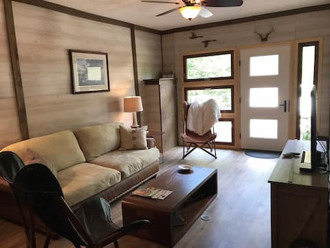 Whippoorwill Cottage Suite