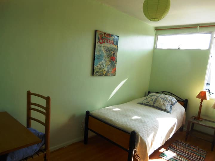 Room in cozy home in residential area