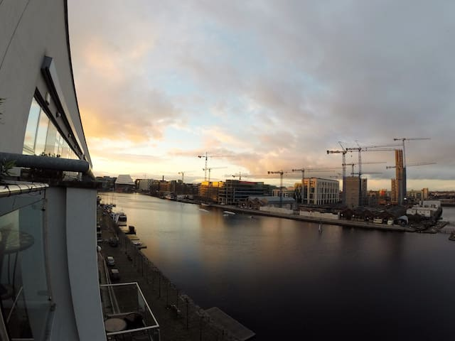Grand Canal 2 bed/2 bath. apt with great views - Dublin - Apartamento