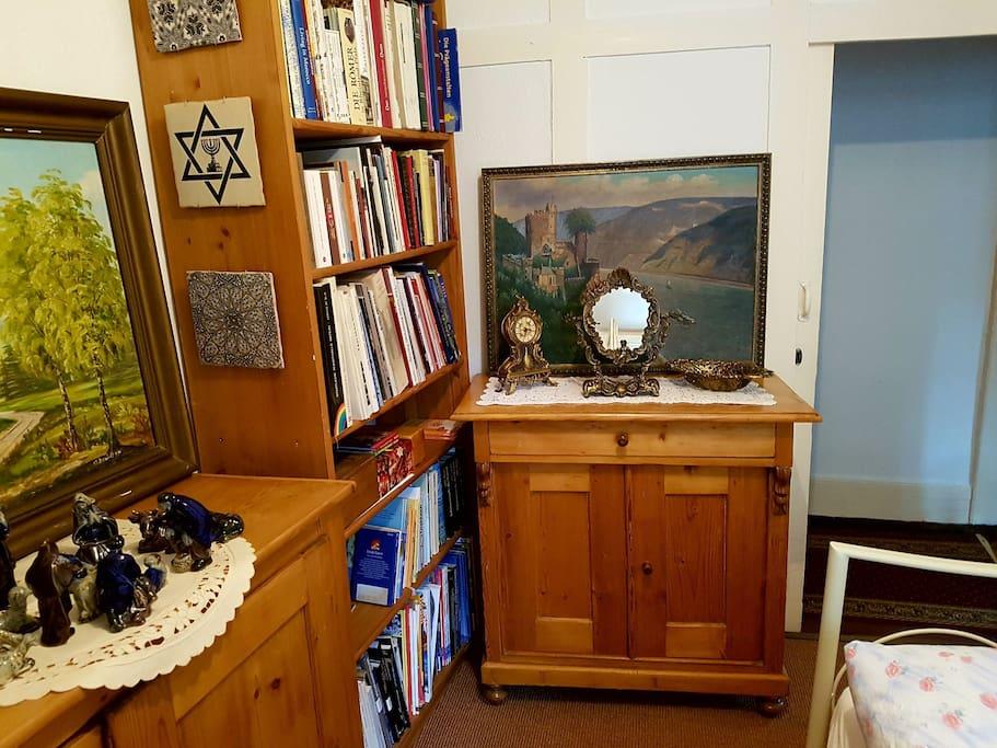 kleines zimmer in historischem haus h user zur miete in bacharach rheinland pfalz deutschland. Black Bedroom Furniture Sets. Home Design Ideas