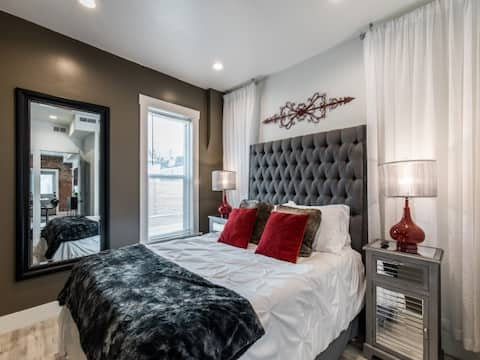 ✨Stay Here✨5 Minutes Downtown✨Comfy Foam Beds✨W&D✨